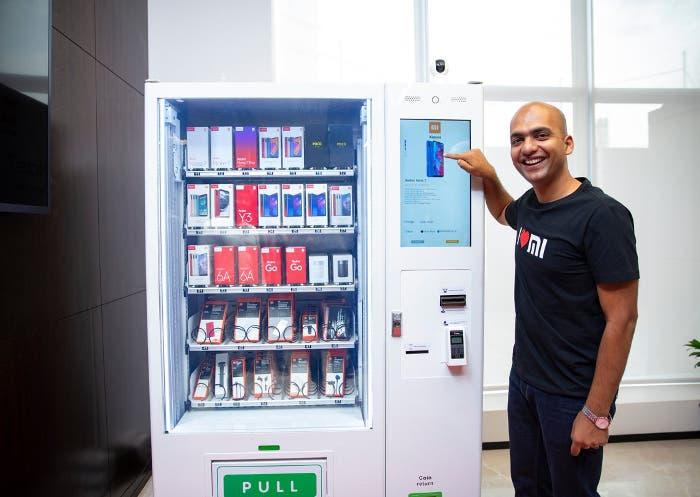 Xiaomi ya vende móviles en máquinas expendedoras: así es la experiencia