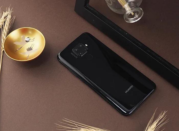 El Huawei Mate 30 Lite es oficial: Kirin 810, agujero en pantalla y 5 cámaras