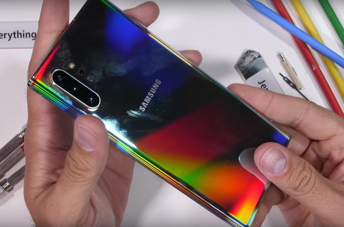 Test de resistencia del Samsung Galaxy Note 10, ¿cuánto aguanta?