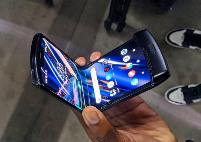 Motorola advierte: el Motorola RAZR podría tener imperfecciones en la pantalla