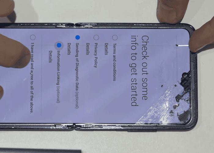 ¿Cuánto cuesta reparar la pantalla del Samsung Galaxy Z Flip?