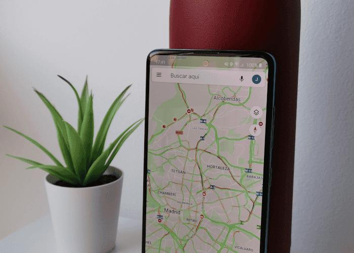 Este hombre creó atascos en Google Maps con ingenio, 99 móviles y un carrito