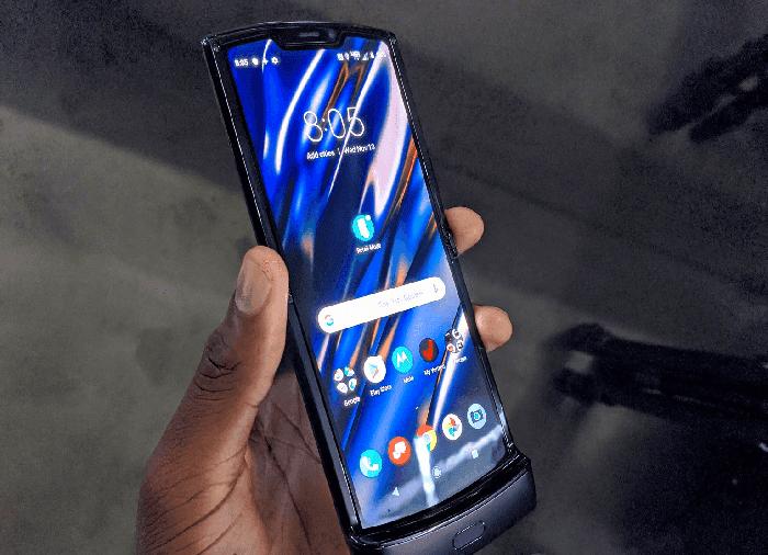 Desmontaje del Motorola RAZR: así es por dentro el móvil plegable